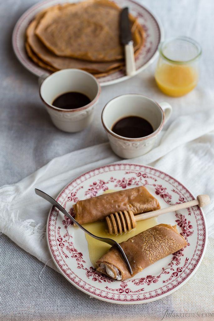 Necci - Tuscan Chestnut pancakes with ricotta and honey #Tuscanfood #Tuscanrecipes #glutenfree