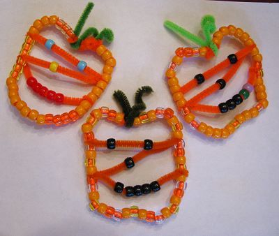 Beaded Pumpkin Jack O' Lantern Ornaments for Halloween | Naturally Educational #Halloween: Beaded Jack O Lantern, Halloween Crafts, Beaded Pumpkin, Jack O'Connell, Jack O Lantern Ornaments, Craft Ideas, Jack O' Lantern, Pipe Cleaner