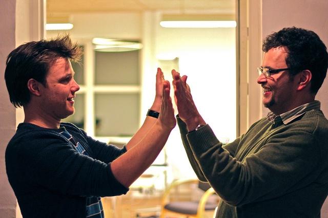 Pelle og Lars kommunikerer det bedste de har lært