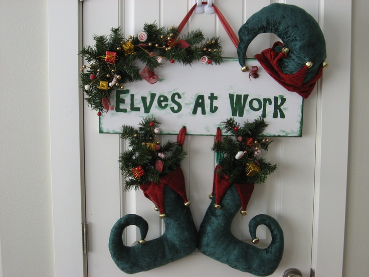 26 best christmas doors images on pinterest christmas for Elf door decoration