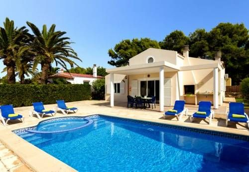 Four-Bedroom Apartment in Menorca with Pool II Menorca Four-Bedroom Apartment in Menorca with Pool II offers accommodation in Cala Blanca, 43 km from Cala Ratjada. The unit is 3.5 km from Ciutadella.  Other facilities at Four-Bedroom Apartment in Menorca with Pool II include a year-round outdoor pool.