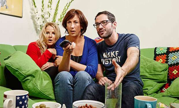 Miranda Hart to star in Gogglebox special for Channel 4's Stand up to Cancer Comedian will do one of her favourite things - watch the telly - for the fundraising telethon on Friday