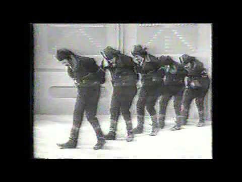 Πυρρίχιος, Σέρα χορός - 1965 στα Σούρμενα, Αττικής - YouTube