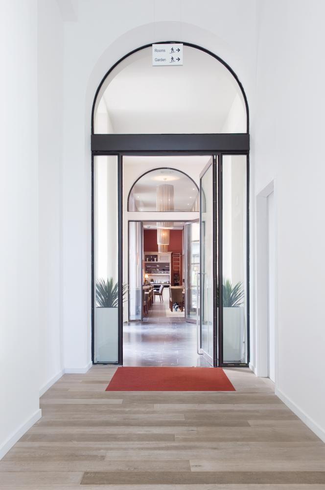 DORMA Architectural Hardware. DORMA Entrance Systems. www.dorma.com
