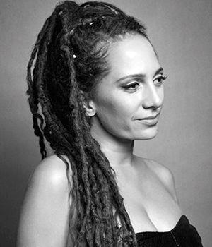 Türkiye' de deri tasarımı denilince akla gelen isimlerden olan Simay Bülbül ile ekibimizden Gözde Keskiner harika bir söyleşi gerçekleştirdi. http://www.coolkadin.com/moda-tasarimcisi-simay-bulbul-roportaji.html #moda #modatasarımı #simaybülbül #coolkadın
