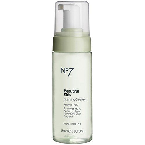 Boots No7 Beautiful Skin Foaming Cleanser - Normal / Oil. Gentle, soap-free formulation. Foaming ingredients remove make-up and impurities with Witch Hazel. Help tighten pores without drying skin.