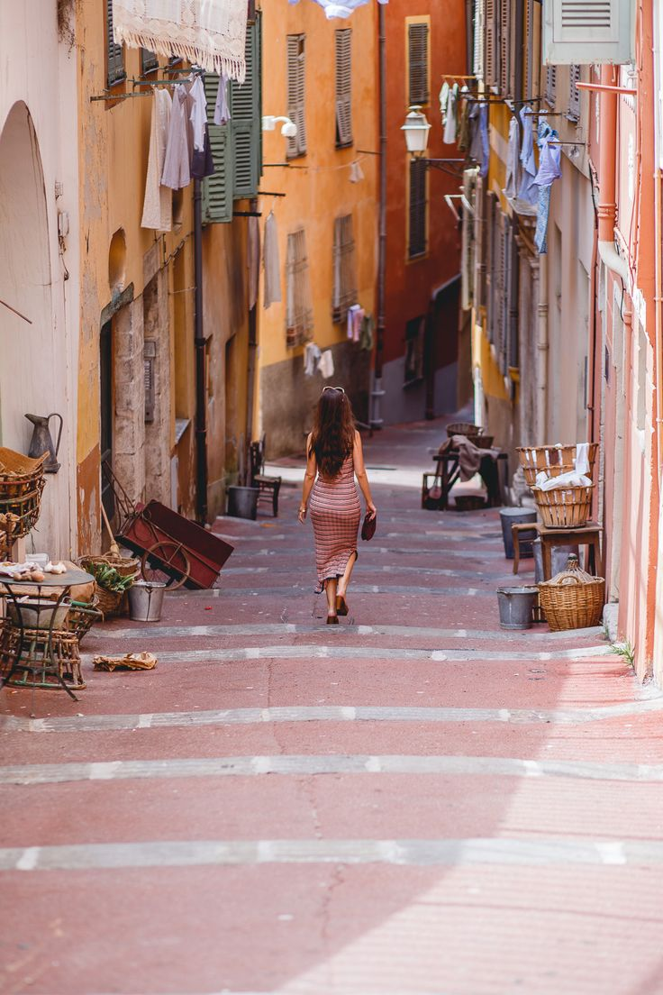 Colourful streets of Vieux Nice (boldbliss)