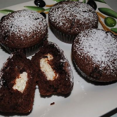 Túróval töltött kakaós muffin