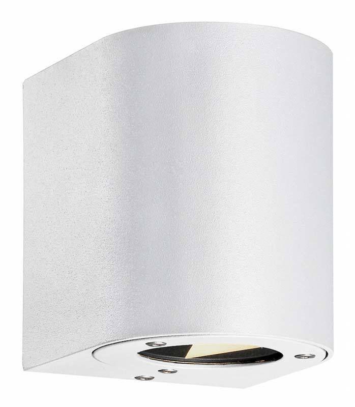 Nordlux+DFTP+Canto+Væglampe+-+Hvid+-+Flot+væglampe+fra+danske+Nordlux.+Kvaliteten+er+i+top,+uden+at+der+er+gået+på+kompromis+med+designet.+Det+smarte+ved+denne+hvide+væglampe+er,+at+der+kommer+lys+for+oven+og+under+lampen.+Det+er+med+til+at+skabe+et+dekorativt+og+kunstlignende+udtryk+i+boligen.+Væglampen+findes+i+forskellige+farver+og+størrelser,+så+du+har+mulighed+for,+at+finde+den+væglampe+der+passer+bedst+i+dit+hjem.+