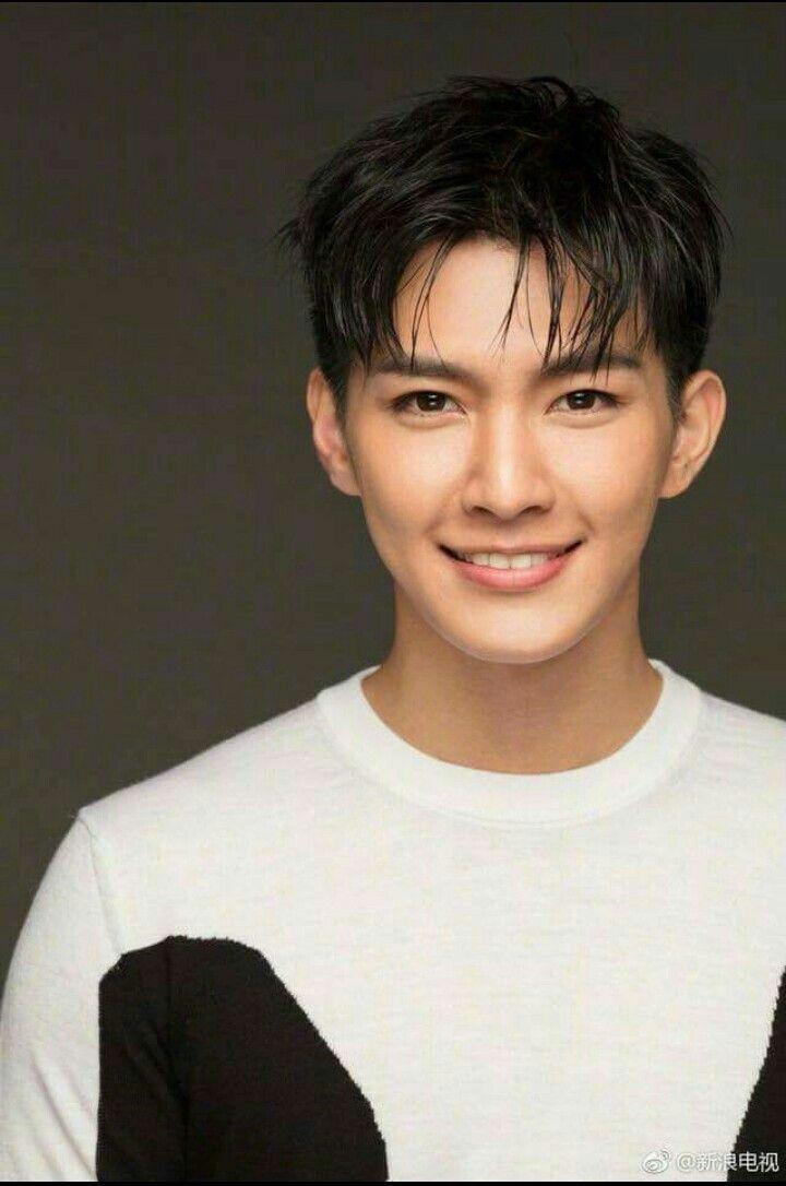 アーロン 台湾 俳優