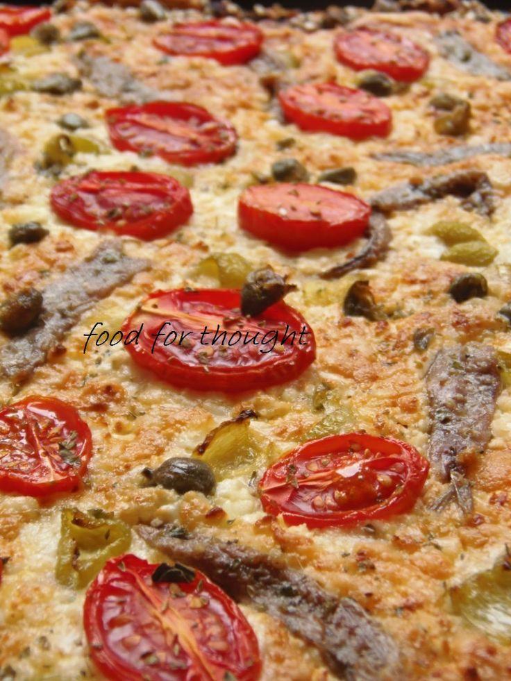 Πίτσα με φέτα, αντζούγιες και κάπαρη http://www.laxtaristessyntages.blogspot.gr/2014/06/pizza-me-feta-antzougies-kai-kapari.html