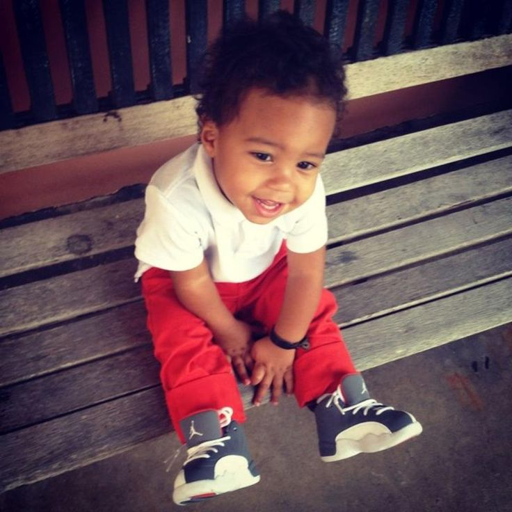 Baby Jordan with his Jordans! | Baby Jordan clothes ...