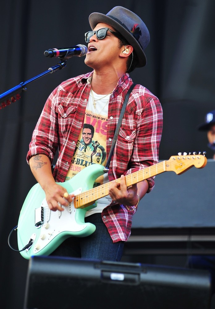 Bruno Mars...loved his Bob Marley Tribute on the Grammy's tonight!