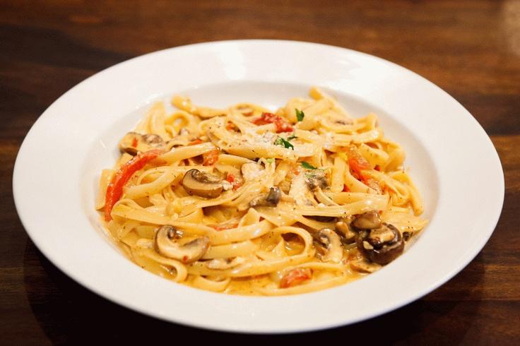 mushroom pasta wild mushrooms alfredo sauce roasted red peppers hint ...