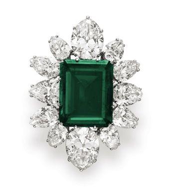 Elizabeth Taylor Bulgari emerald pendant.