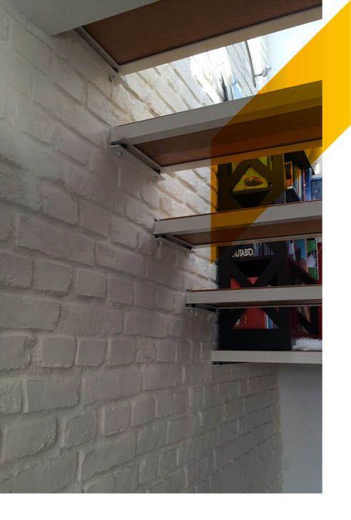 Escaleras y nuestros paneles de ladrillo macizo blanco. WOW