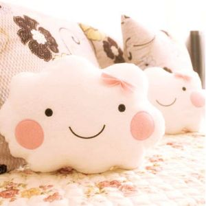 Petit coussin nuage super girly kdono.fr #nuage #kawaii #girly #coussin #oreiller