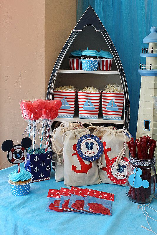 How cute is the boat display in the background?  Source: Michelle's Party Plan-It
