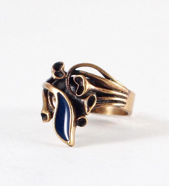 "Hannu Ikonen for Valo-Koru, modernist ""Reindeer Moss"" bronze and blue enamel vintage ring, 1970s. #Finland   finlandjewelry.com"