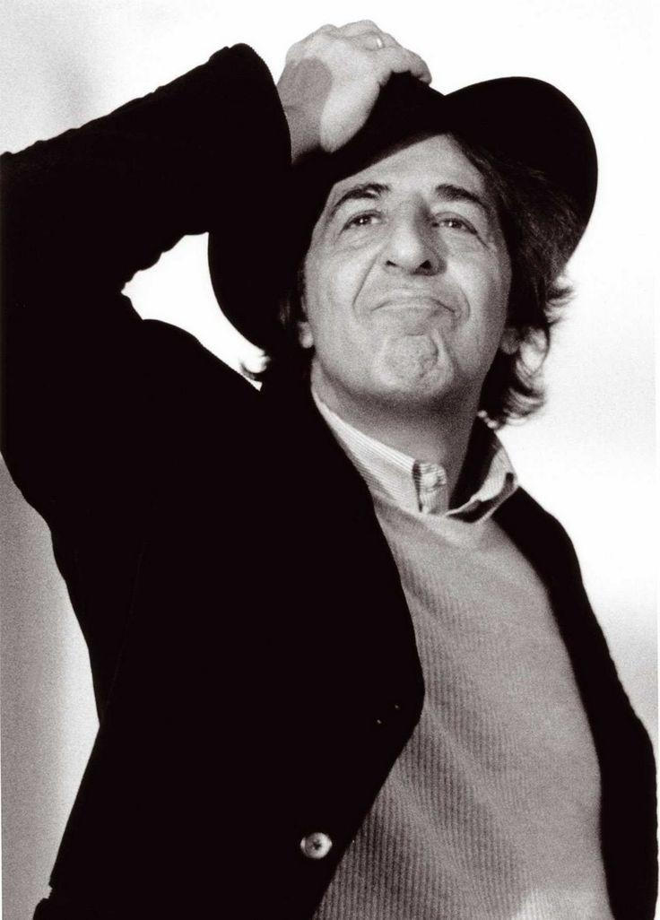 Giorgio Gaber   (Milano, 25 gennaio 1939 – Montemagno di Camaiore, 1º gennaio 2003)