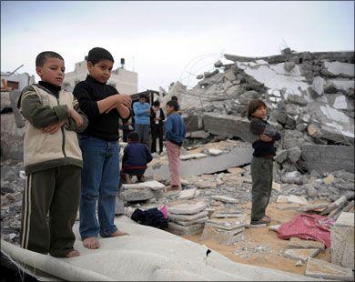 Homeless Palestinian Children Praying in Gaza - ما شاء الله