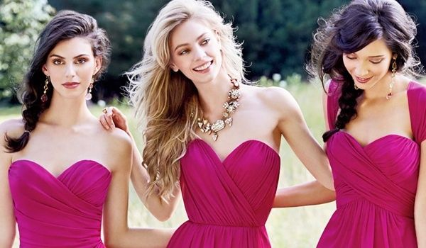 Beautiful Yet Easy Bridesmaid Hairstyles For Long Hair –   So your bestie is going to start an all new life and she wants you to be on her side both emotionally and practically on the very big event. Yes, you are asked to be …