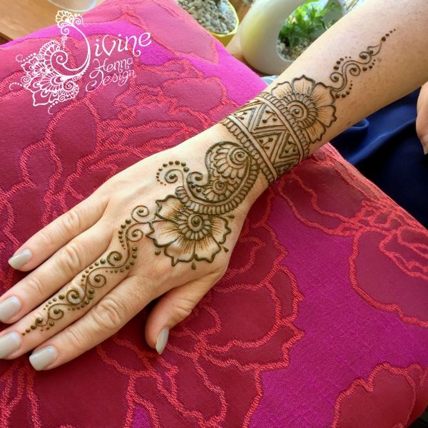 29 Best Wedding Body Paint Henna Images On Pinterest: Best 25+ Henna Hands Ideas On Pinterest