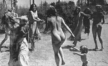 Se ha escrito mucho y de muchas partes del mundo, sobre el  movimiento hippie  de los 60. Tanto que, incluso los que somos de esa época, l...