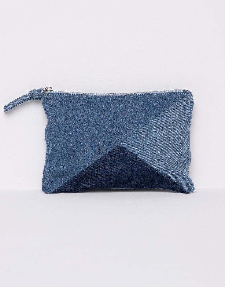:DENIM MAKE-UP BAG                                                                                                                                                     Más