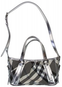 Popular Styles of Burberry Diaper Bag.    Today, there are two popular styles of the Burberry diaper bag; one is designed to look similarly to a tote, while the other one is styled like the trendy messenger bags. Moreover, both these styles are actually the most convenient for mothers who need fashionable bags to store their babies' essentials while on the go.  #Coach_Diaper_Bag #Designer_Diaper_Bag #Cheap_Diaper Bag #Burberry_Diaper_Bag