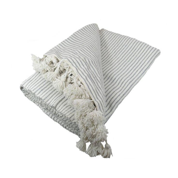 Couverture / couvre lit laine et coton Blanc écru rayures Gris clair  tissée à la main , artisanat du Maroc
