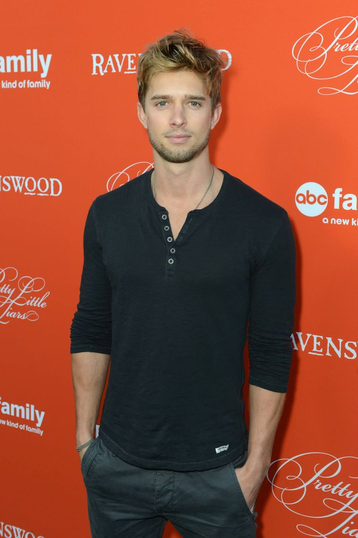 Drew Van Acker is so HOT! Tune in to the #PLLhAlloween special Tuesday, Oct. 22 at 8/7c on ABC Family!