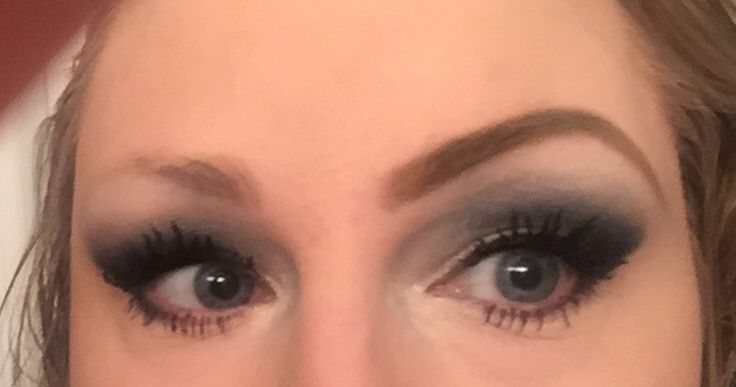 One eyebrow lol need another on lol #younique