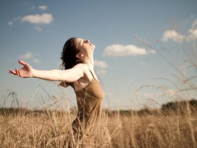 Beneficios de descansar la mente ............................................................ Entre otros beneficios, echarse una siesta nos ayuda a agudizar la mente ........................................................... #Hamacon #SaludMental #Salud #Siesta #Bienestar