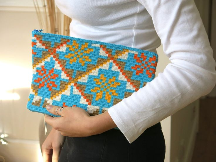 Handmade Wayuu Patterned Clutch by EKIIOrigins on Etsy