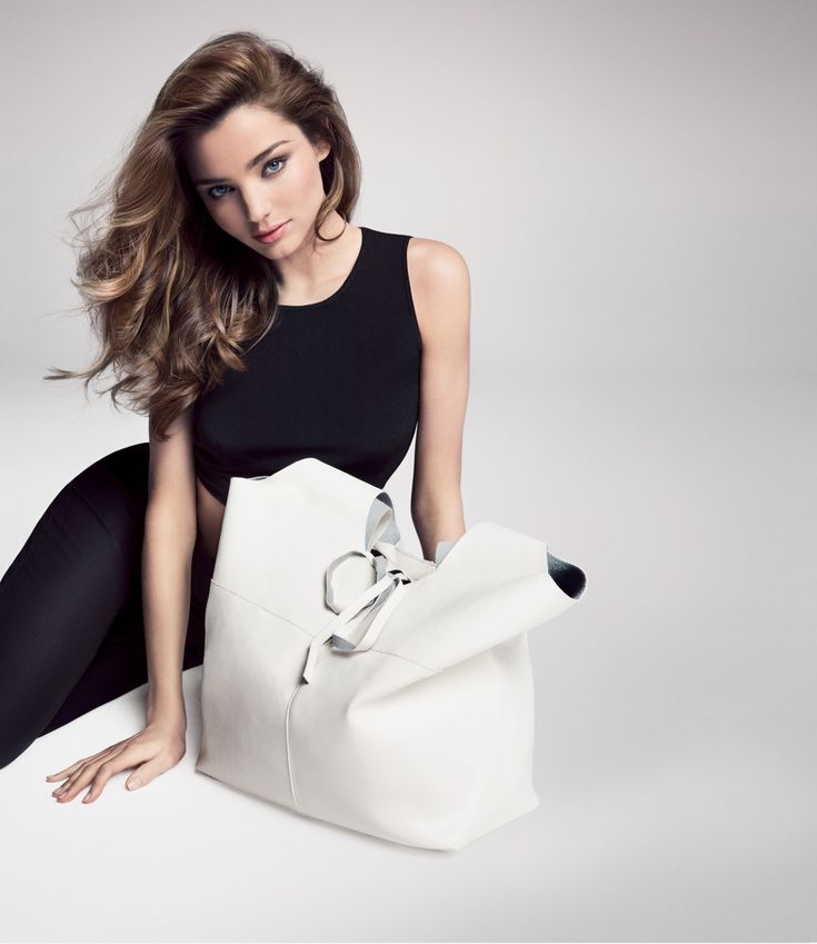 https://www.facebook.com/pages/Miranda-Kerr-Vietnam-Fanpage/1595286387378854?ref=aymt_homepage_panel Please like and share my page. Thank you so much