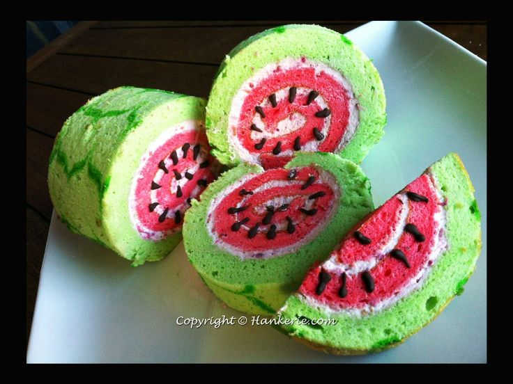 Recipe: Watermelon Swiss Roll Ingredients 26g Oil 3 eggs 26g caster sugar 1/2tsp Vanilla Essence (Extract) 63g caster sugar 47g flour Filling whipped cream Green and red food coloring Instructions ...