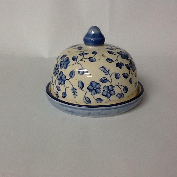 Linda queijeira com motivos de flores no tom de azul, para uso diário R$ 60,00