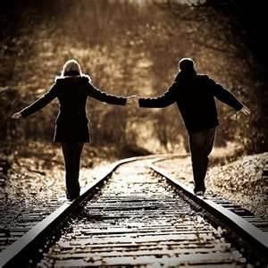 couples pictures - Bing Images: Pictures Ideas, Engagement Photo, Couple Picture, Photo Ideas, Railroadtrack, Training Track, Couple Photography, Engagement Pics, Railroad Track