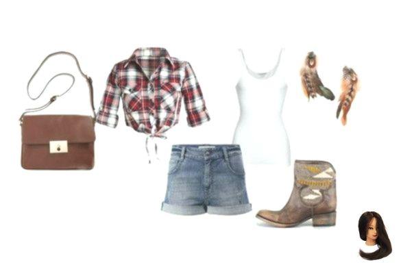Mit einem Paar Cowboy-inspirierten Stiefeln, Federohrringen und einer Jeansshorts