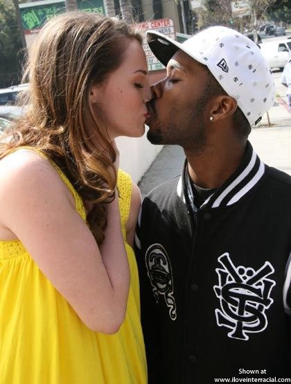 Interracial kissing pics