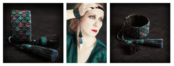 F.R. bransoletka. koraliki, skóra, własnoręcznie barwione bawełniane nici. więcej na blogu - karolina-g.blogspot.com/2014/1… bracelet. beads, leather, cotton thread (hand-dyed) more on the blog - karolina-g.blogspot.com/2014/1…