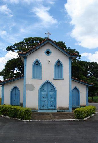 A charmosa e singela capela de São José, o marco inicial do povoado de Cordisburgo, cidade-natal do escritor Guimarães Rosa, no estado de Minas Gerais, Brasil.  Fotografia: Fábio Calvetti / UOL.
