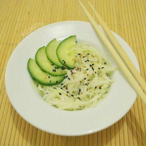 {Salade de chou à la japonaise version healthy} ☆ IG: @all_healthyy