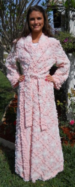 I had one just like this. It was my favorite robe ever!!!!