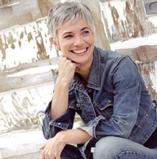 20 Good Short Grey Haircuts | Over 40s | 髪型, 白髪, ピクシーカット