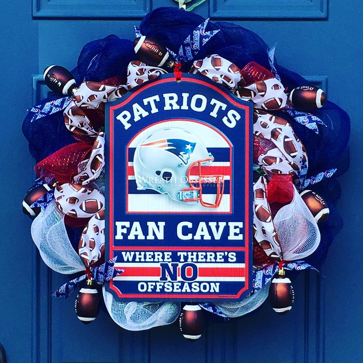New England Patriots Fan Cave Wreath Home Decor for the