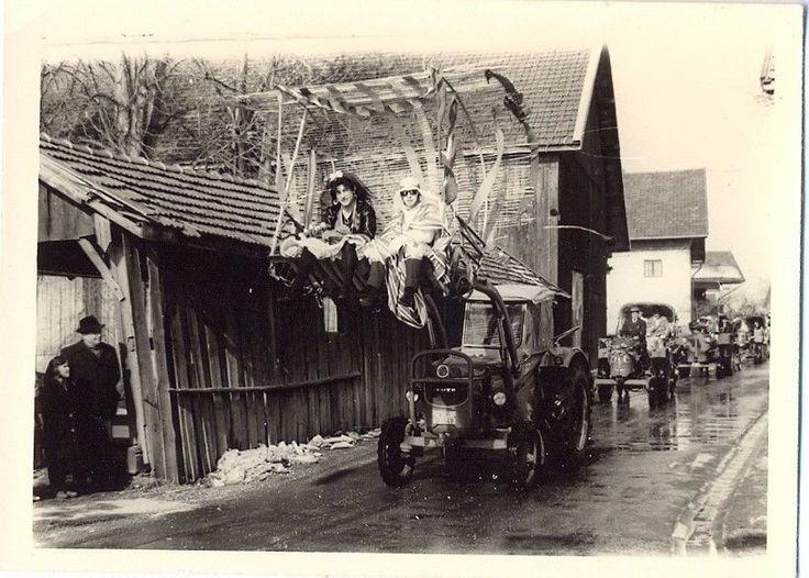 Alt,Foto,Bild,Bildnis,Traktor,Karneval,Fastnacht,Umzug,Oldtimer,Eicher,Fasenacht
