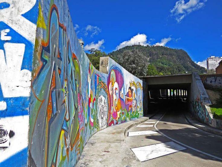 6. Graffiti por la Carrera Séptima tomando el túnel para ir a la Universidad Jorge Tadeo Lozano o seguir por la Circunvalar.