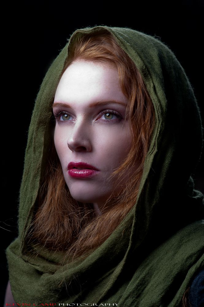 cailín gaelach (irish girl).  Olive green is definitely our color, huh?